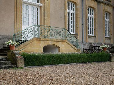 Château de Pange Innenhof mit Terrasse